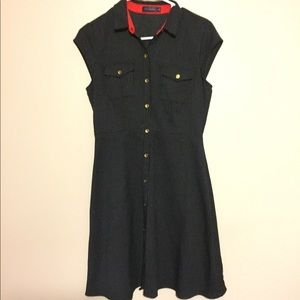 The limited short sleeve dress